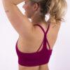 dark fuchsia sporttop woman nutrition