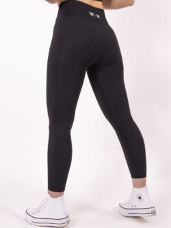basic black legging woman nutrition