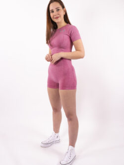 pink set short woman nutrition