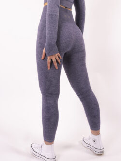 blue legging woman nutrition