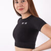 basic black cropped t-shirt woman nutrition