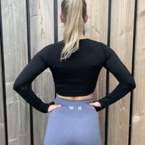 Basic black long sleeve sporttop woman nutrition