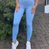 blauwe legging woman nutrition
