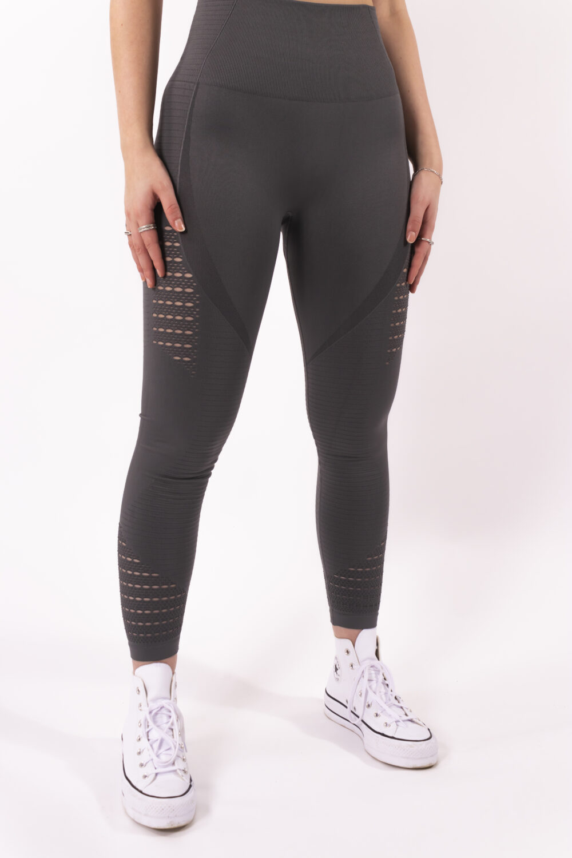 grey legging woman nutrition