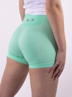 mint short woman nutrition