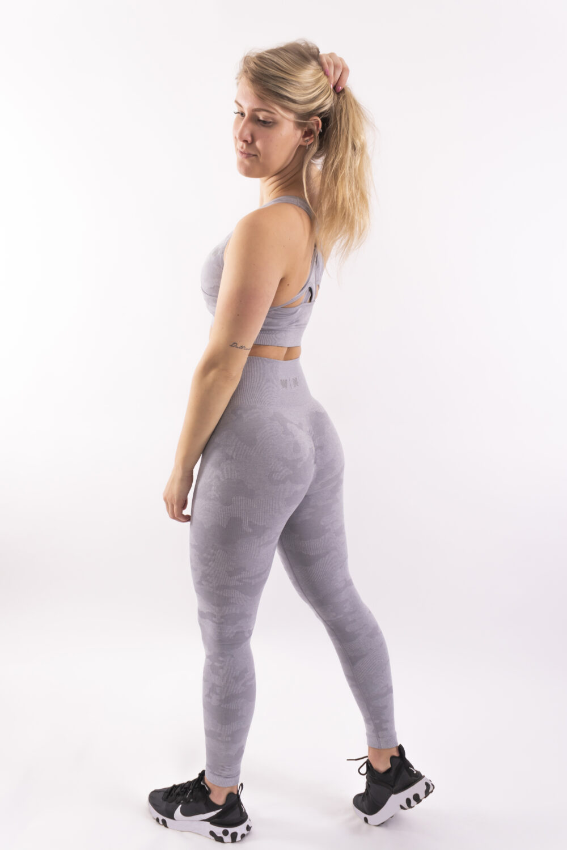 lichtgrijze camo sportlegging woman nutrition